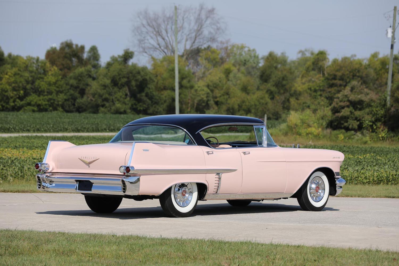 1957 Cadillac Series 62 Sedan de Ville