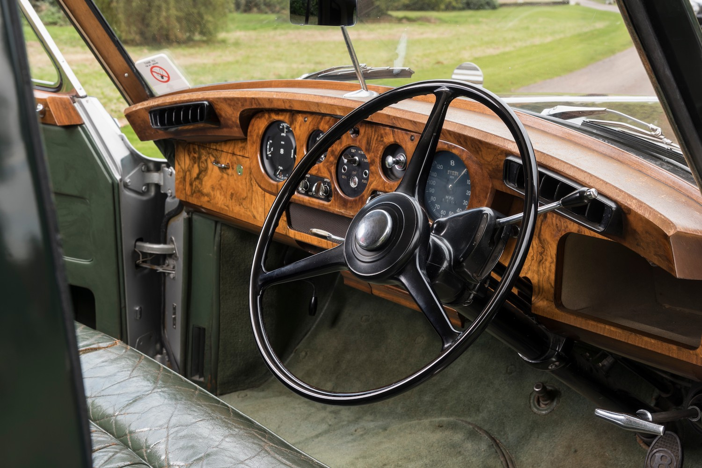 Bentley Interior Wheel