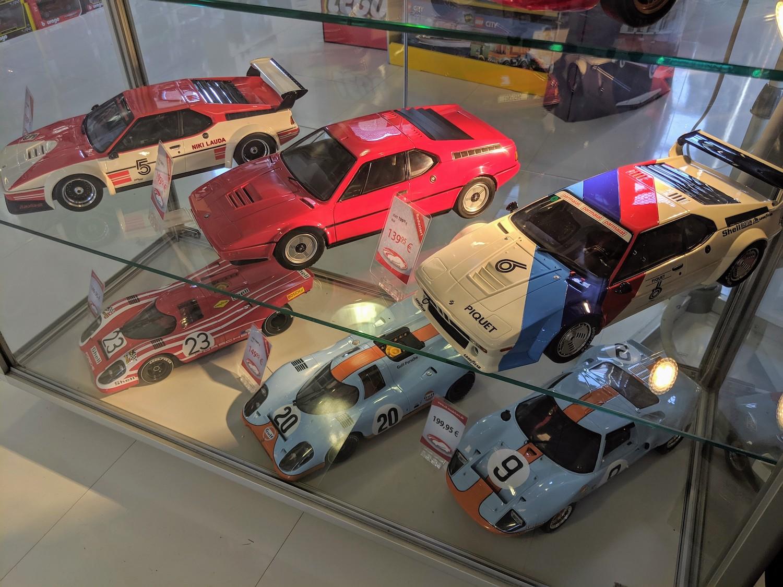 Klassikstadt shop model cars display
