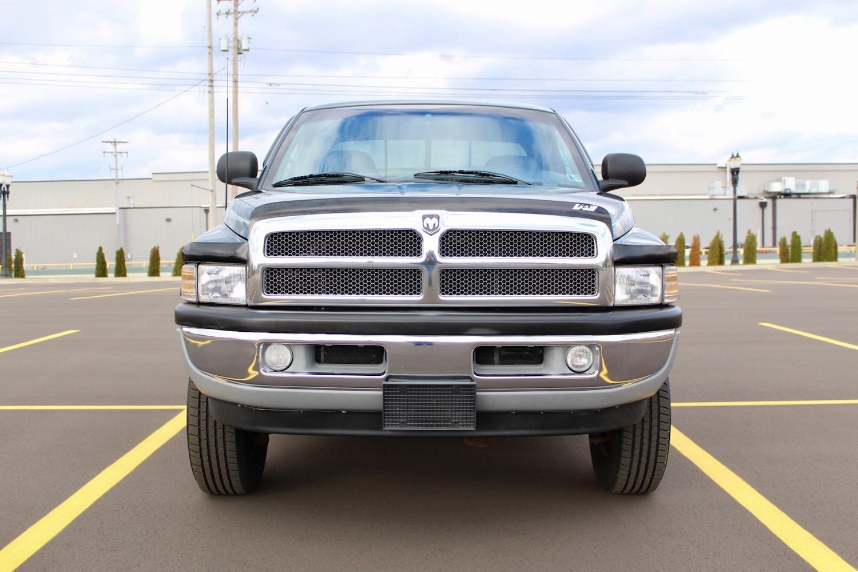 1998 Dodge Ram 2500 Diesel 4×4 5-Speed front