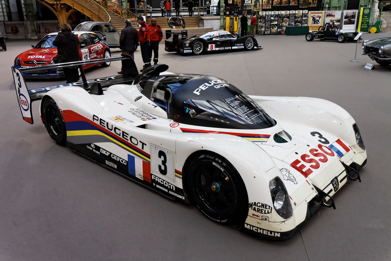 905 race car front three-quarter