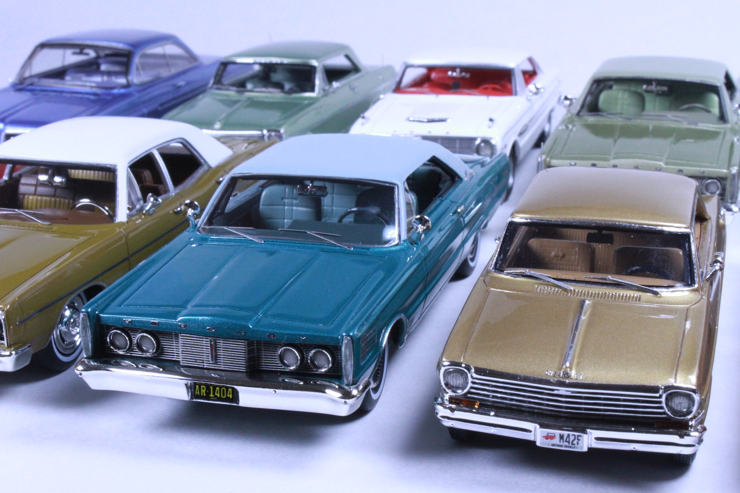 Goldvarg Collection preserves the everyday cars of the '50s and '60s in miniature scale