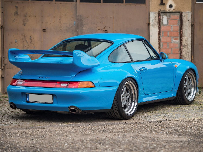 911 GT2 rear three-quarter