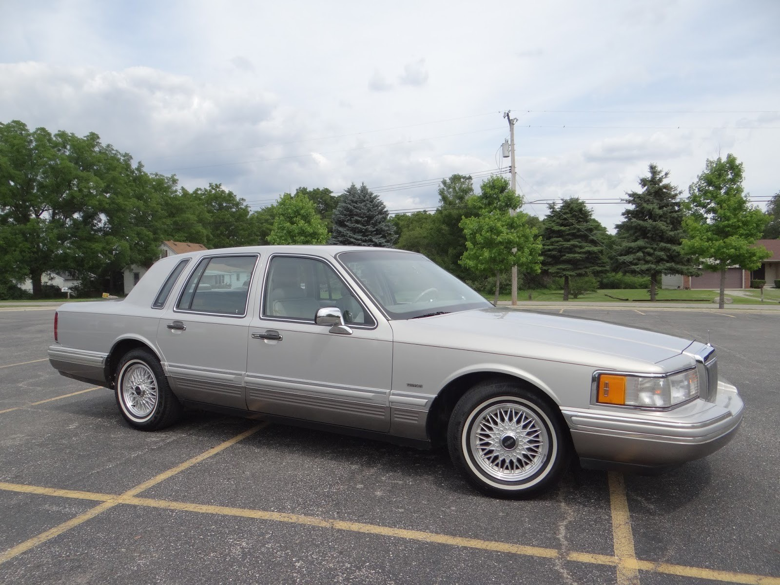1991 Lincoln Town Car Cartier