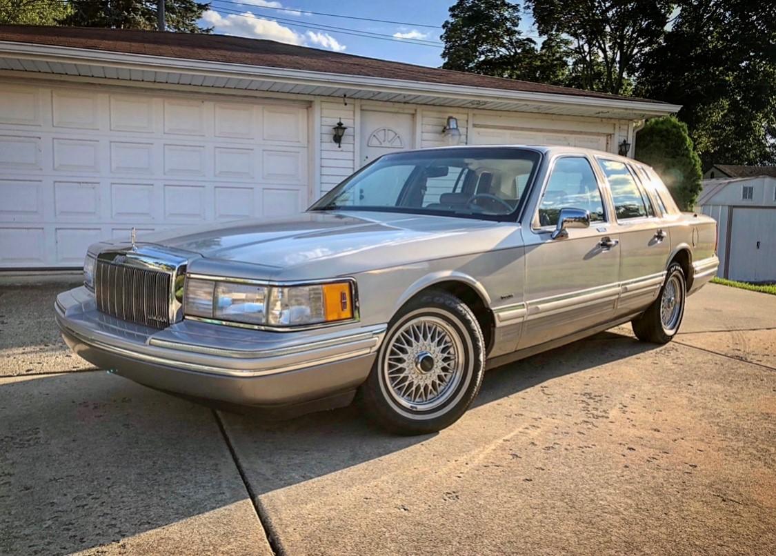 1991 Lincoln Town Car Cartier