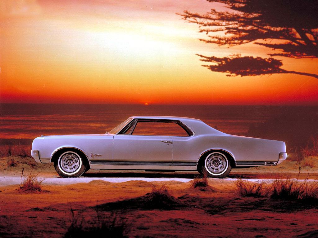 1965 Oldsmobile Starfire ad