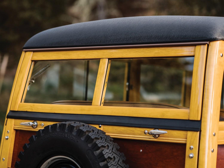 rear-end windows close-up