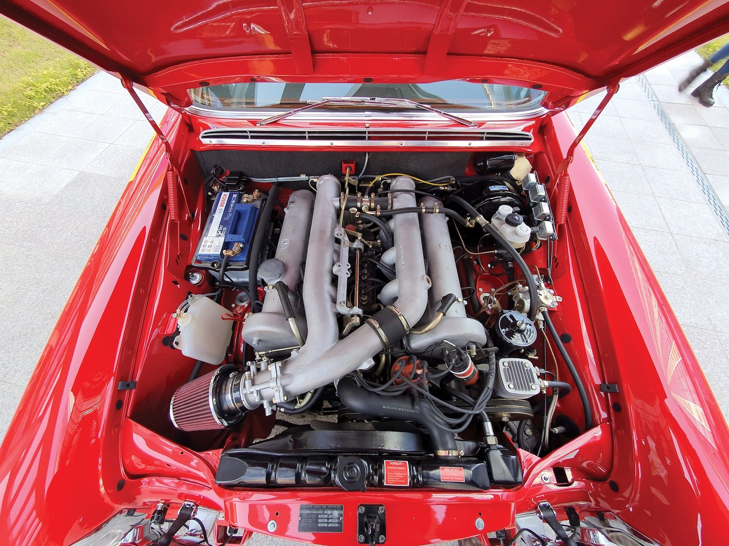 1969 Mercedes-Benz 300 SEL 6.3 'Red Pig' Replica engine