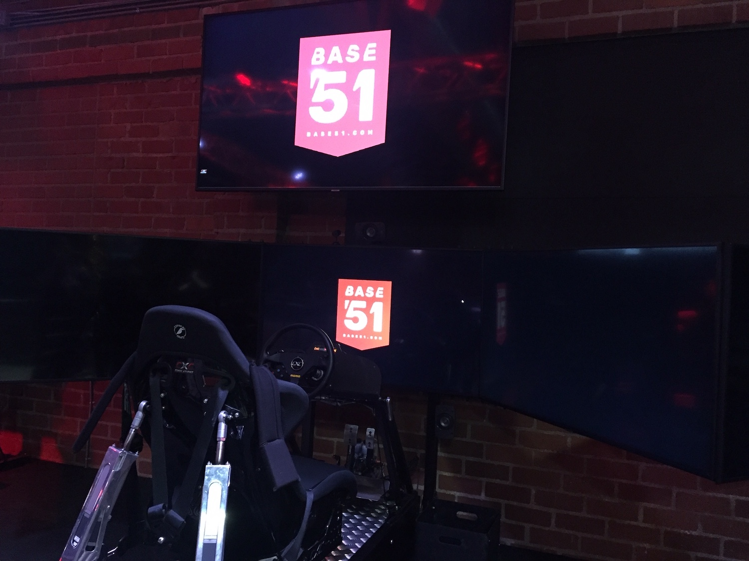 racing simulator screens