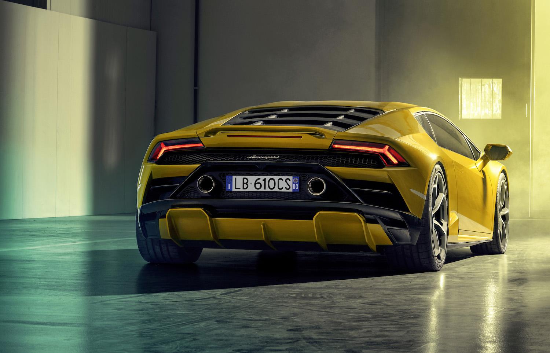 Lamborghini Huracán Evo goes RWD thumbnail