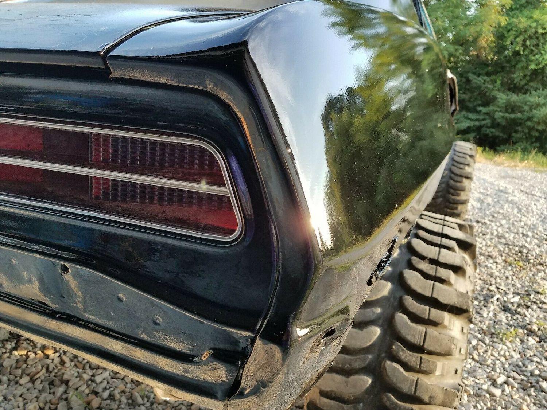1969 camaro mudder project rear tailight closeup
