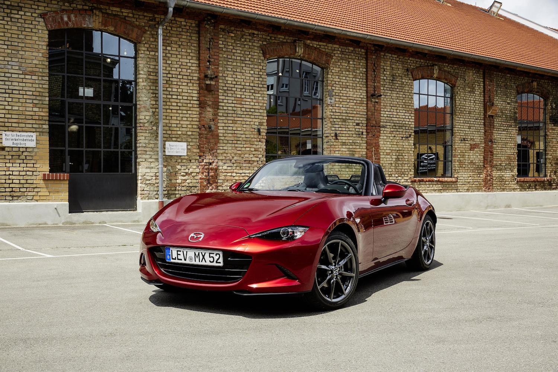 The Mazda MX-5 Miata gets brake energy regeneration tech thumbnail