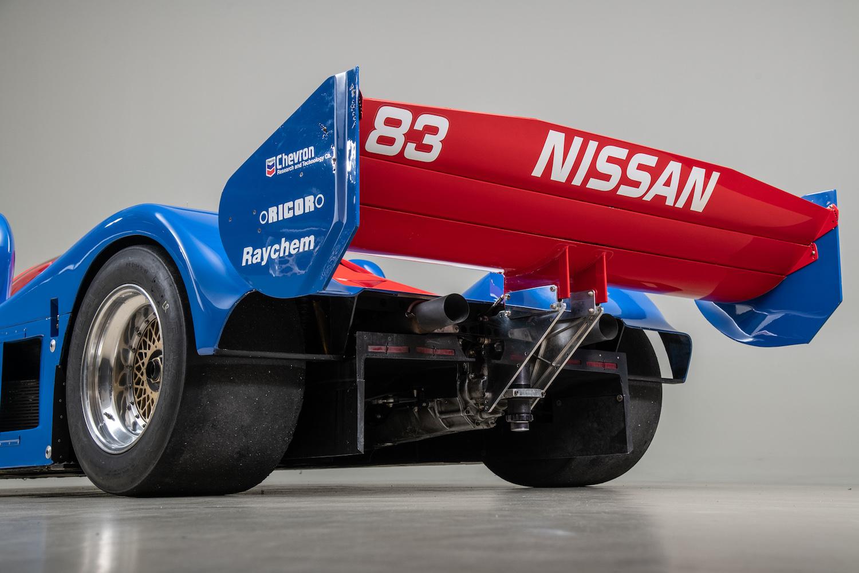 rear three-quarter under wing