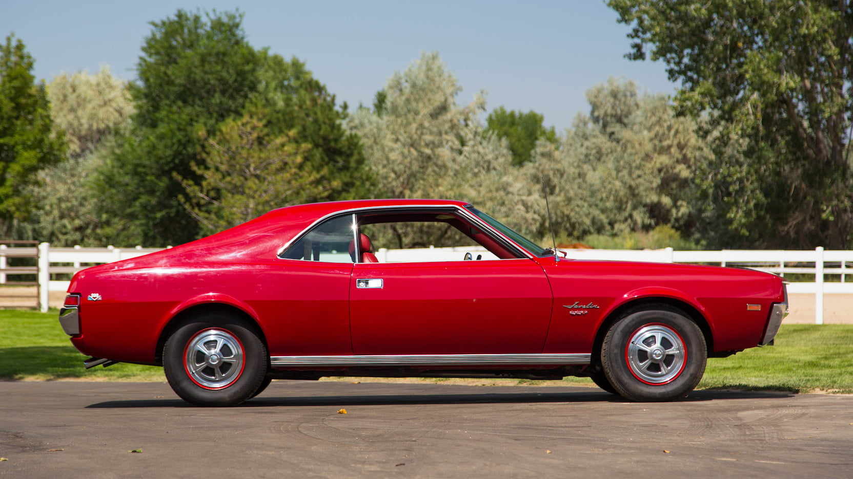 1968 AMC Javelin profile
