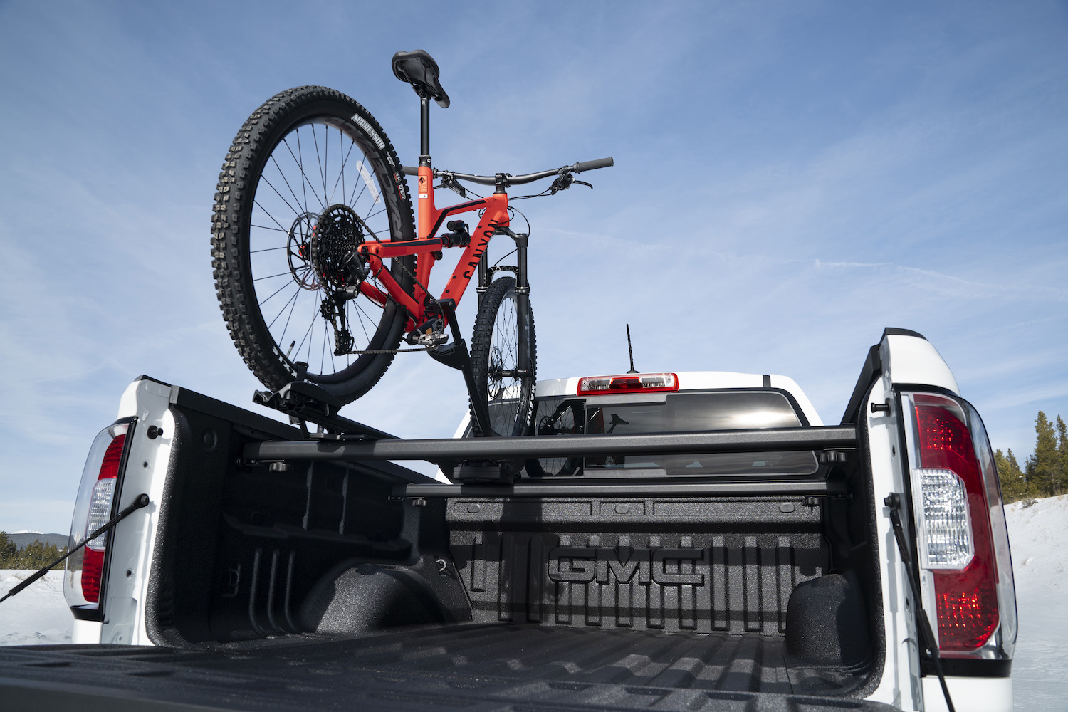 2021 rear bed and bike rack