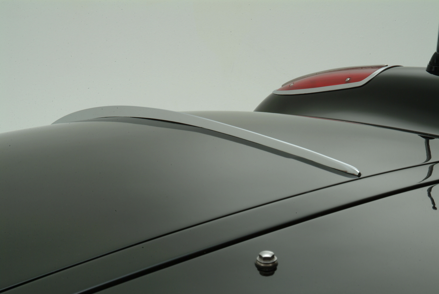 rear bonnet close-up