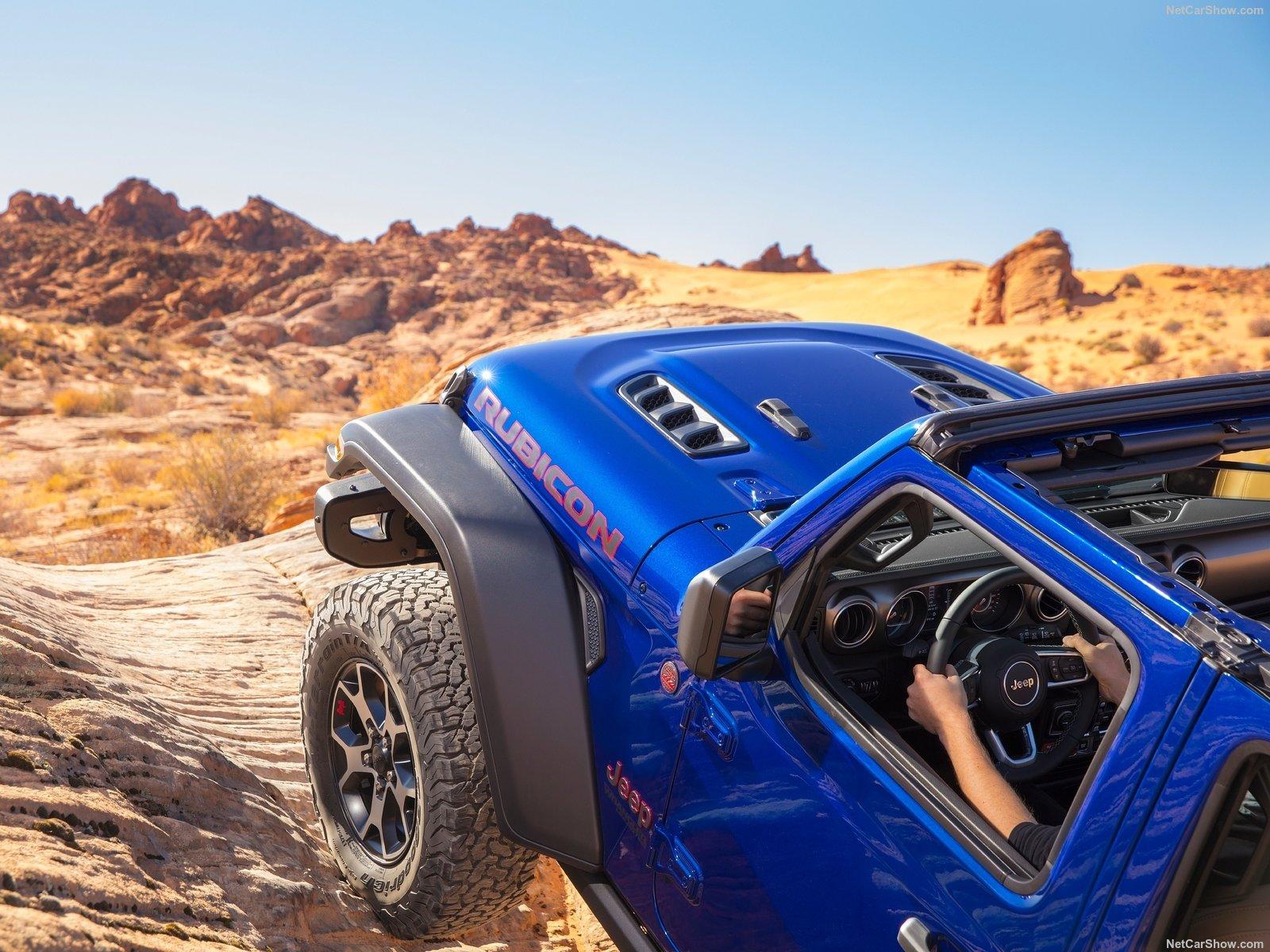 2020 blue rubicon off road climb