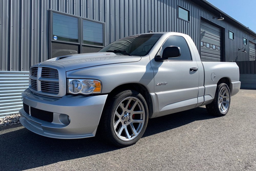 2004 Dodge Ram SRT-10 Pickup front three-quarter