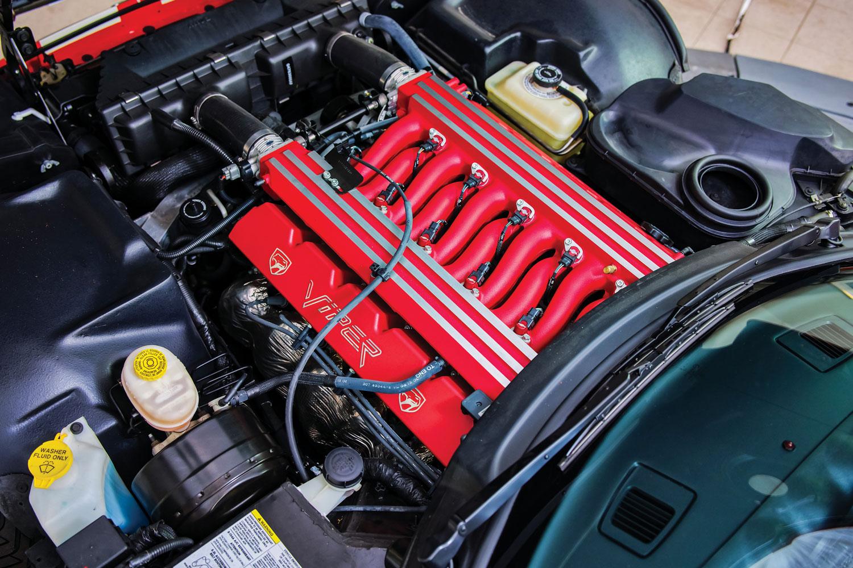 2002 Dodge Viper GTS ACR Final Edition engine