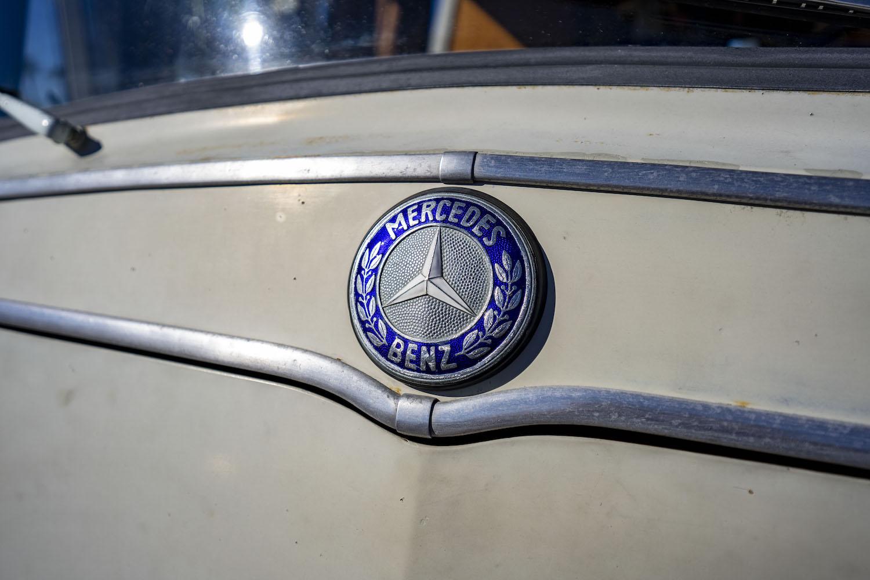 mercedes benz westfalia front badge