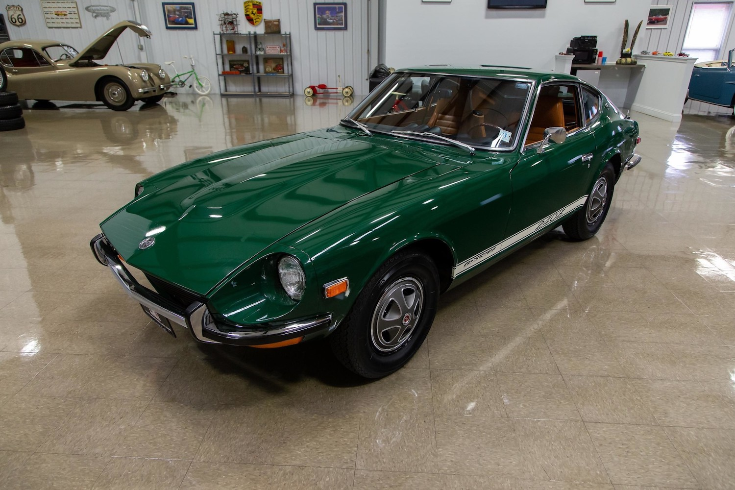 1971 Datsun 240Z Series I front three-quarter