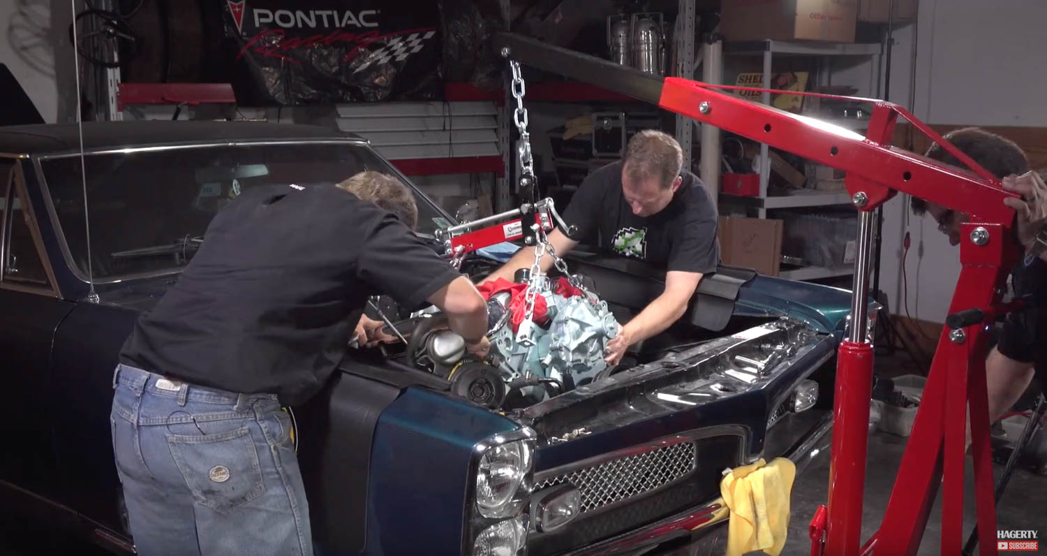 Chris Gebhardt's Pontiac GTO engine