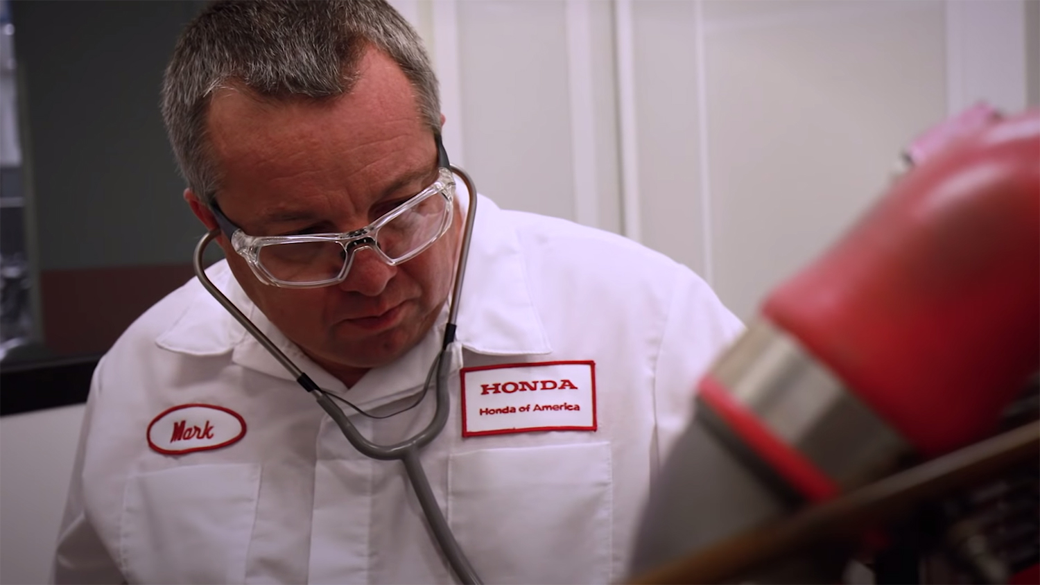 To break in the NSX engine, Acura uses a stethoscope thumbnail