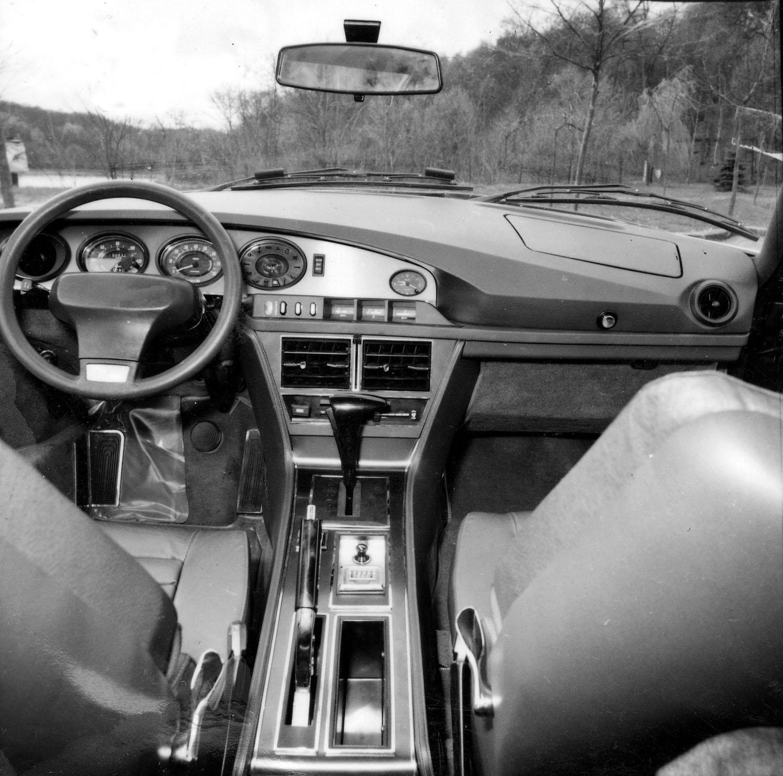 interior front dash black and white