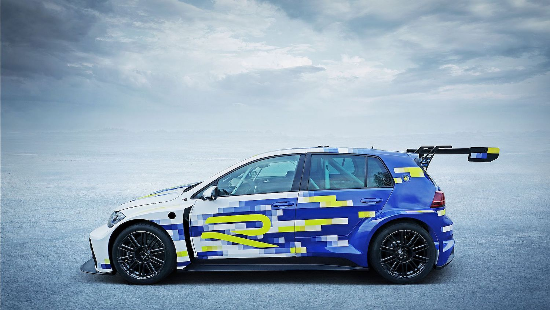 Volkswagen's eR1 previews an electric Golf flagship model thumbnail
