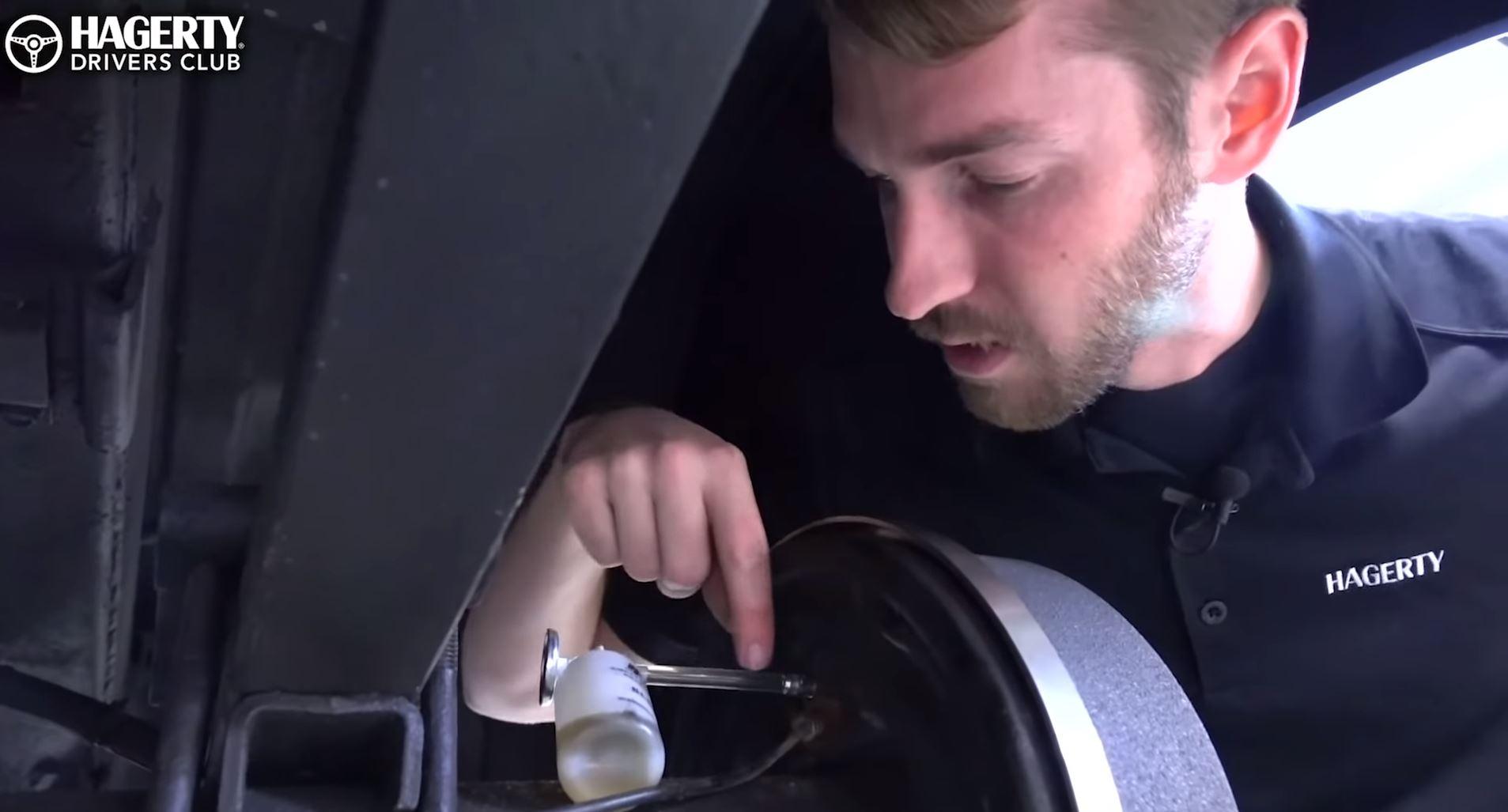 Don't make these 4 mistakes when flushing your brakes thumbnail
