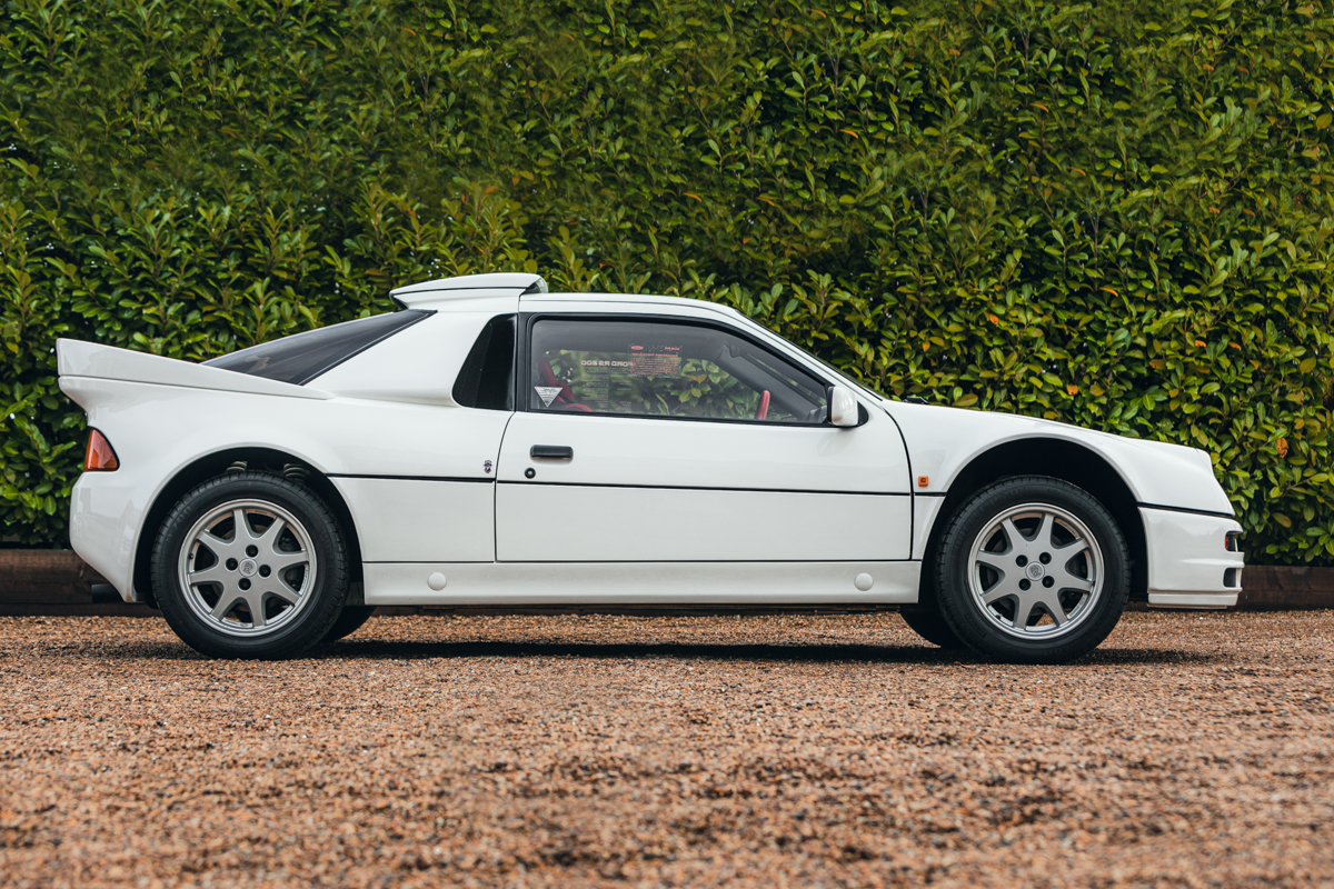 1986 Ford RS200 side-view