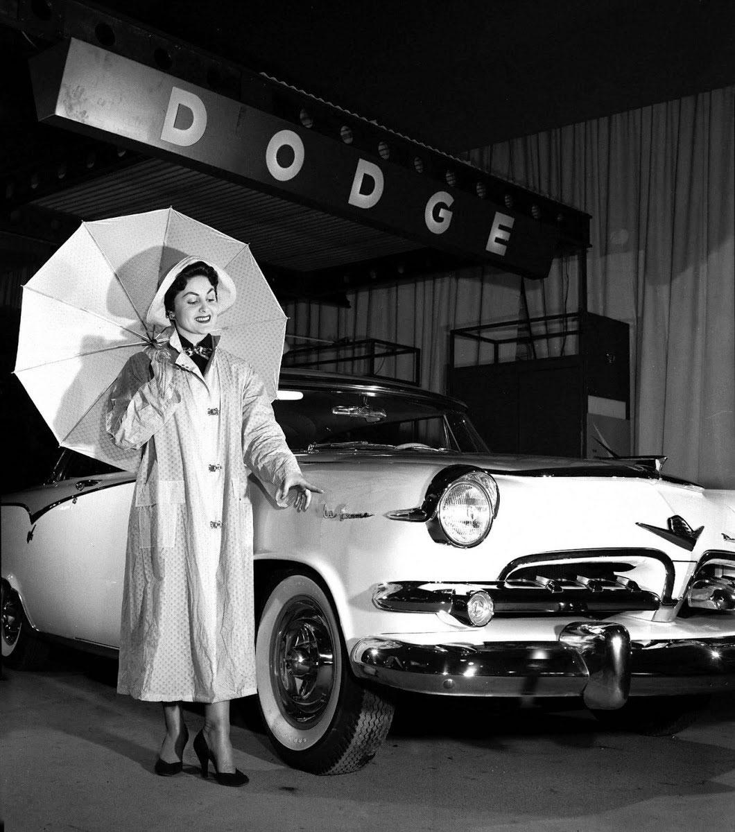 Dodge La Femme ad