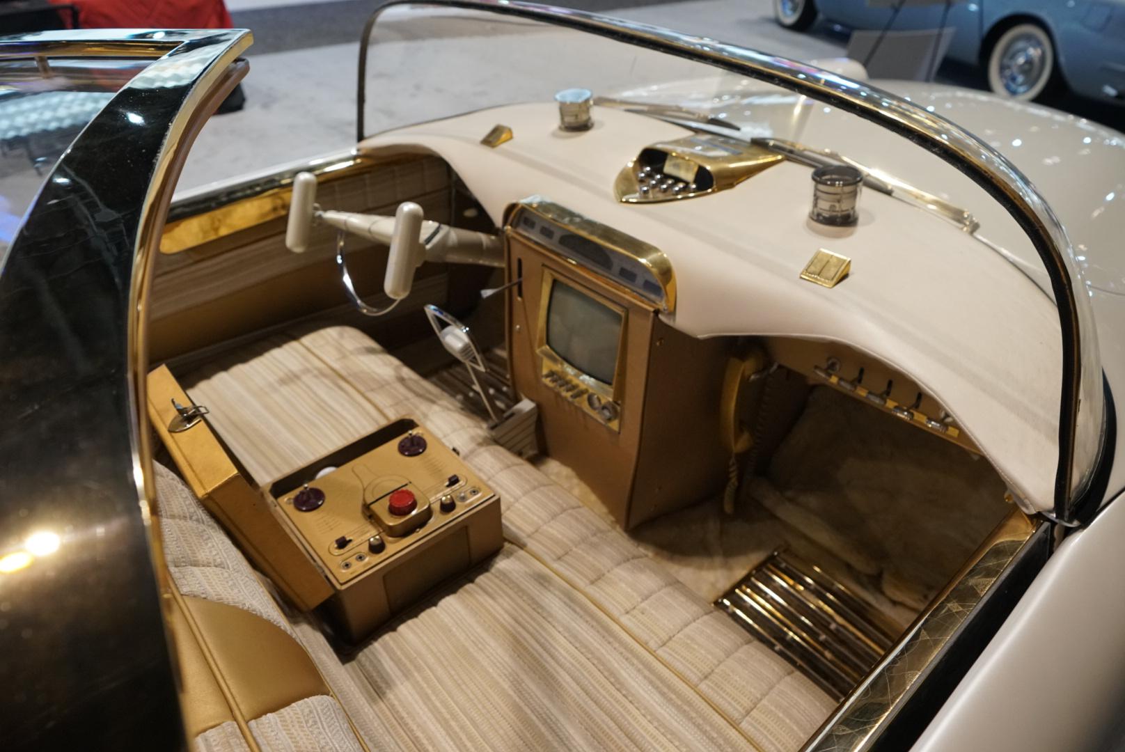 The Golden Sahara II interior