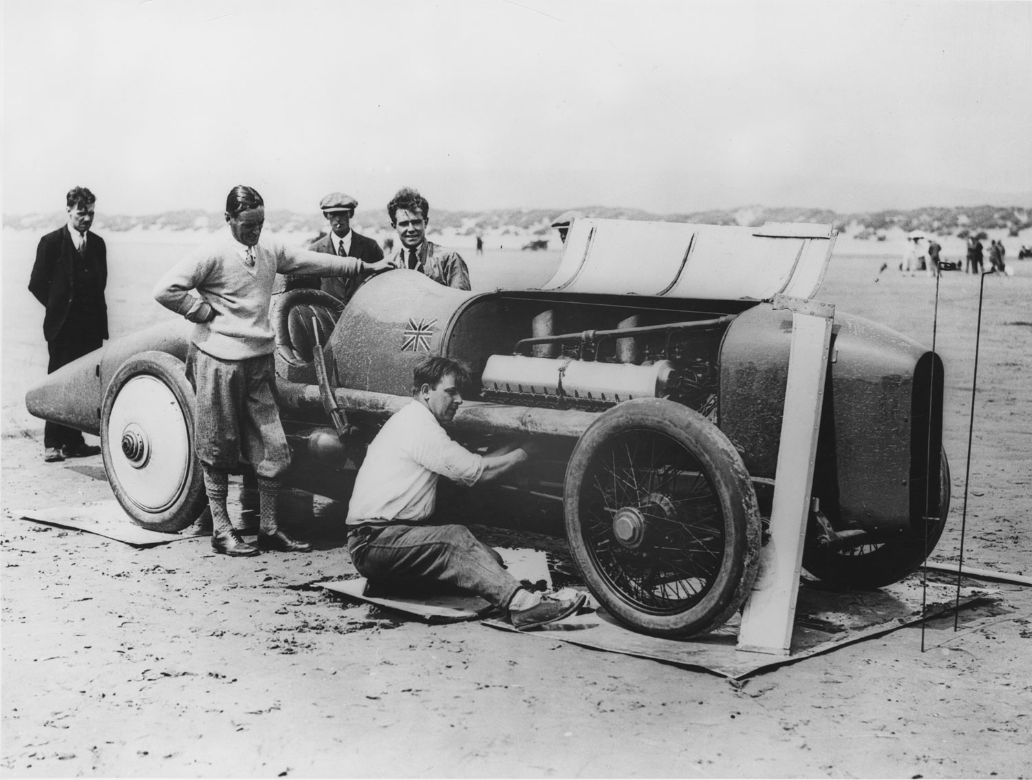 Malcolm Campbell with Sunbeam 350hp at Pendine Sands