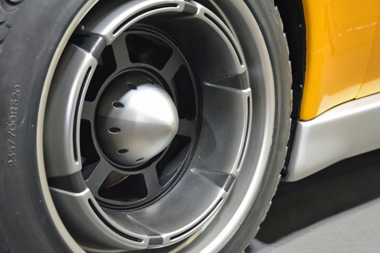1998 BMW Pickster front wheel