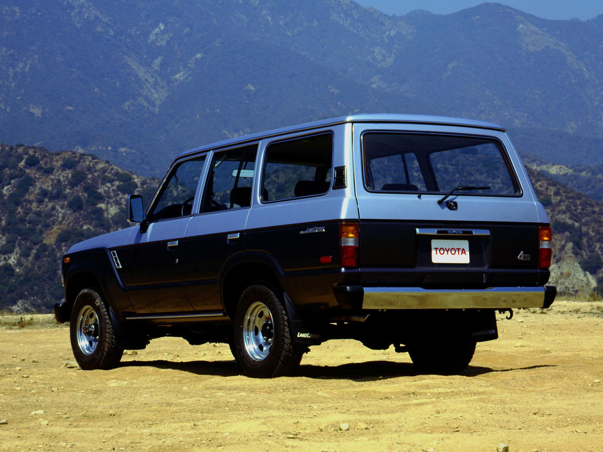 1987 Toyota Land Cruiser FJ60 rear 3/4