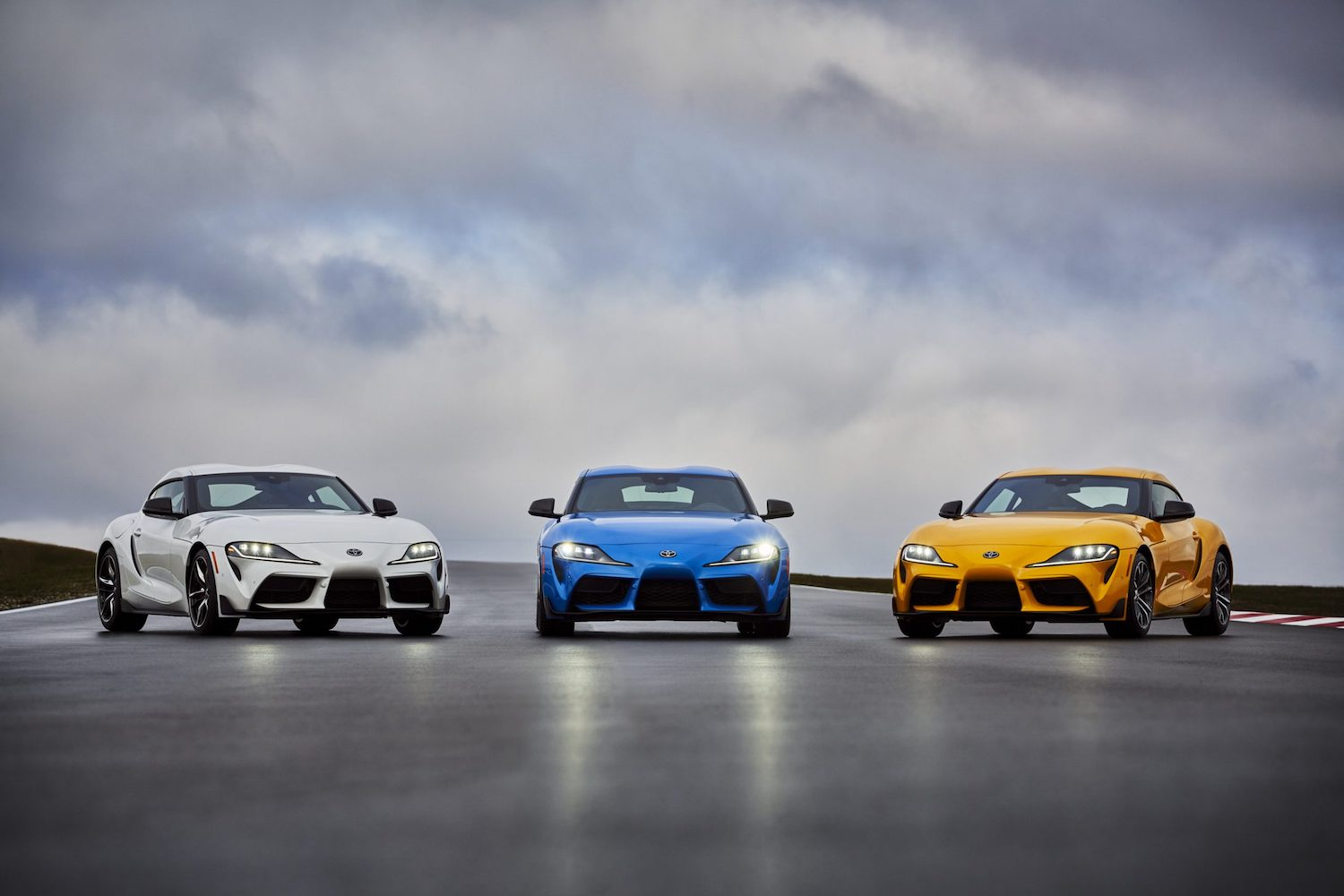 Toyota Supra adds four-cylinder model, bumps up six-cylinder power for 2021 thumbnail