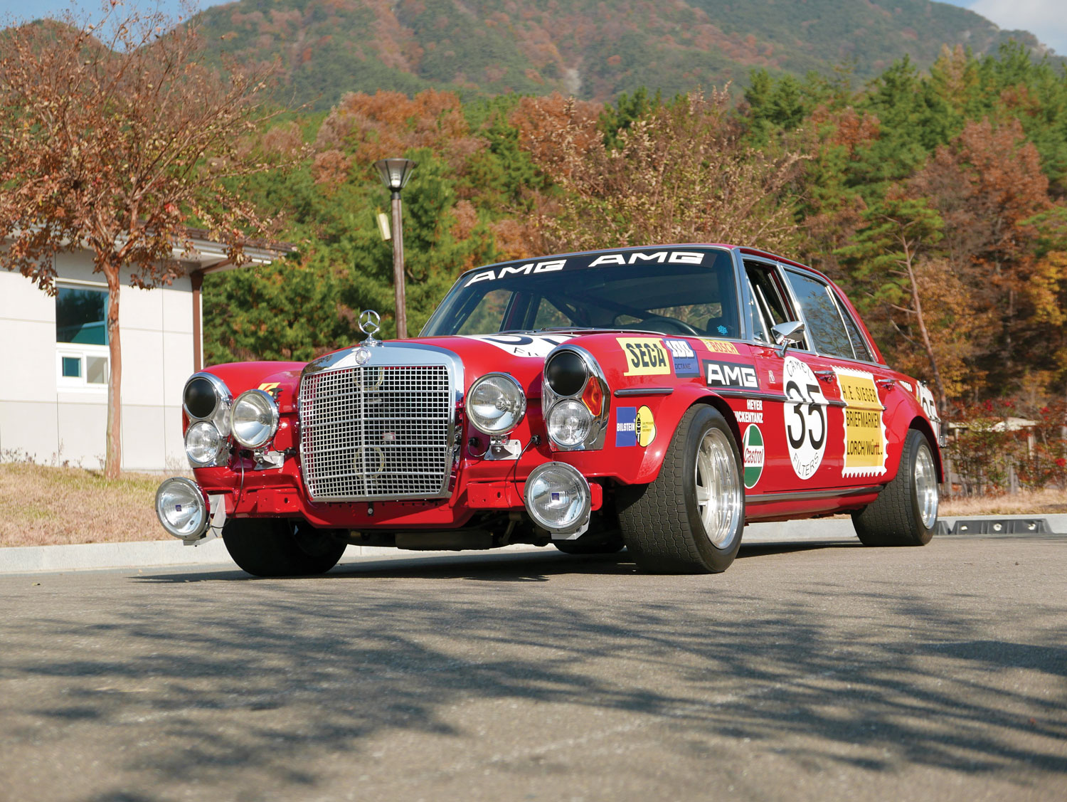 1969 Mercedes-Benz 300 SEL 6.3 'Red Pig' Replica