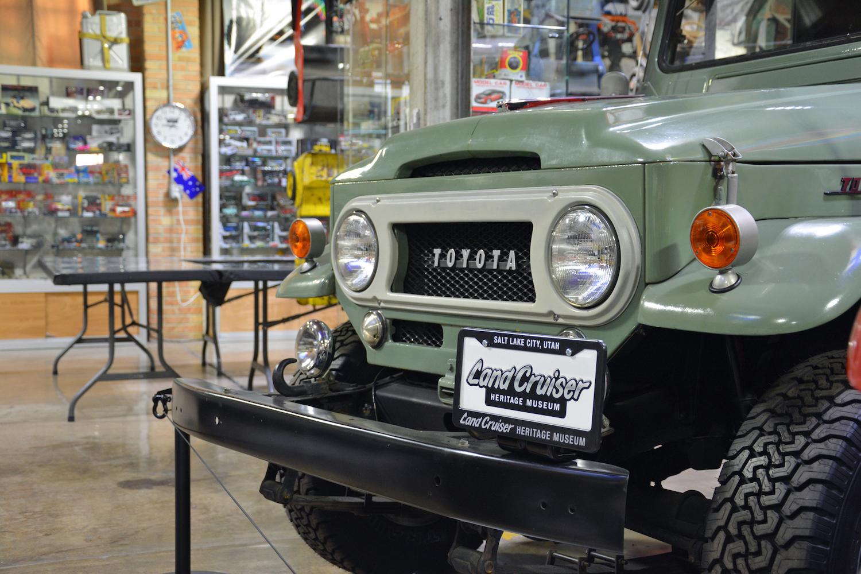 1963 Toyota FJ43 front closeup