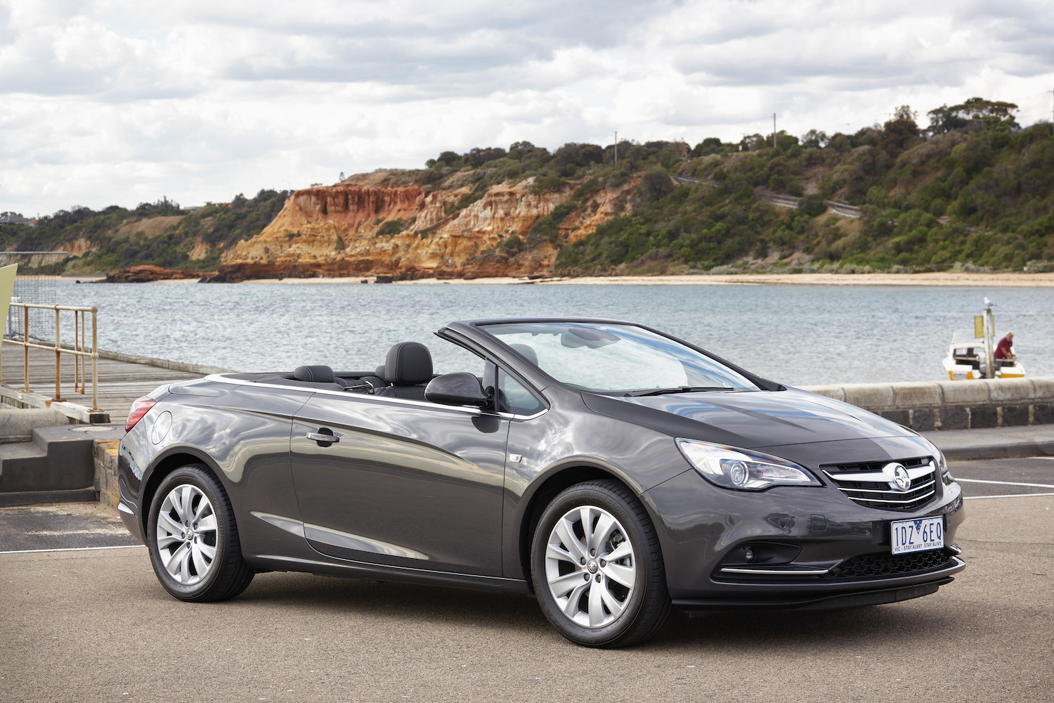 holden cascada convertible coupe front three-quarter