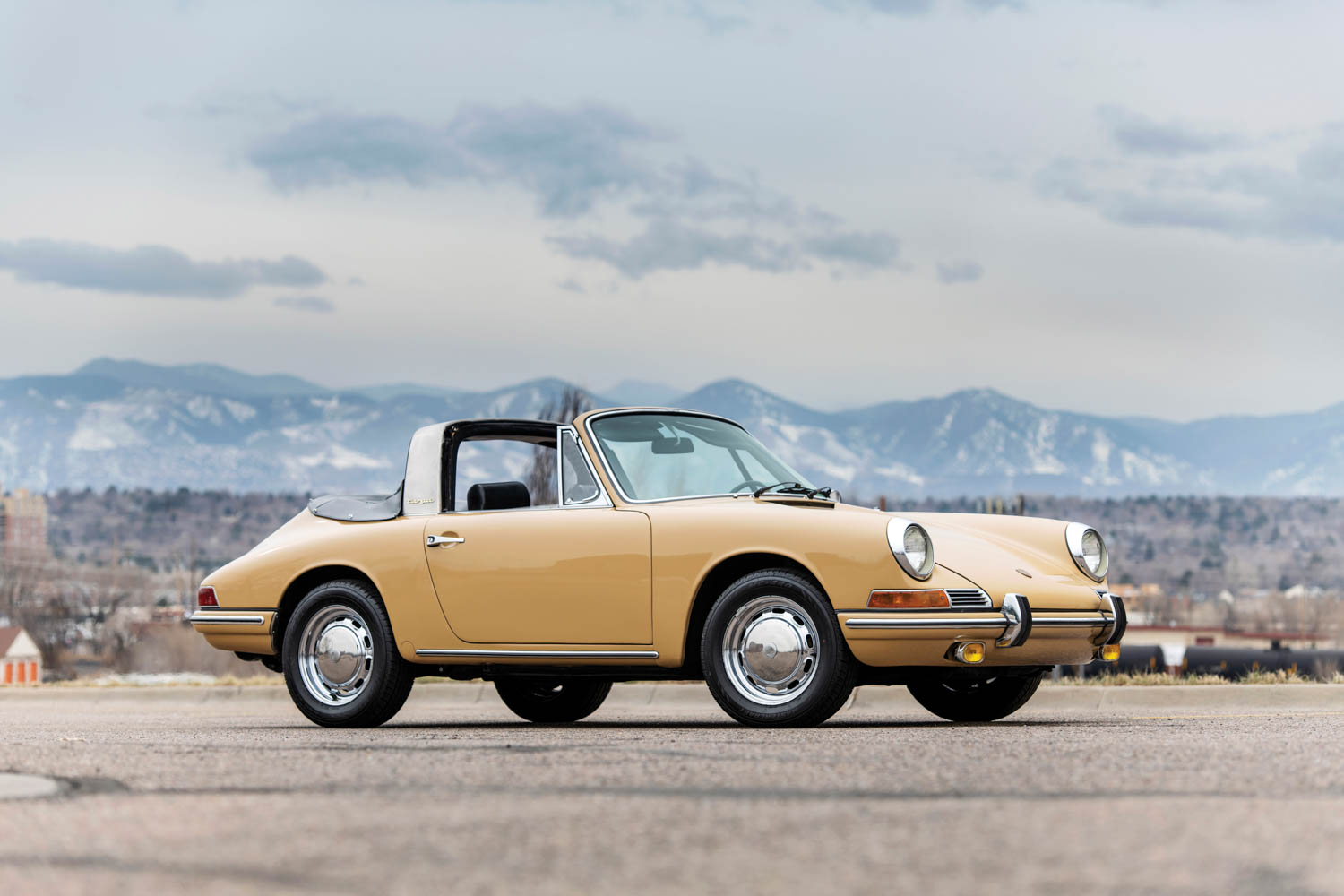 1968 Porsche 911 Soft-Window Targa