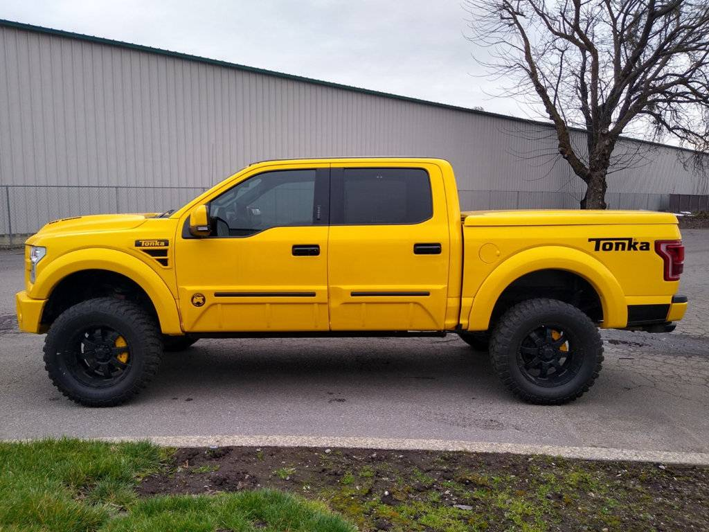 2016 Ford F-150 Tonka Edition side-view