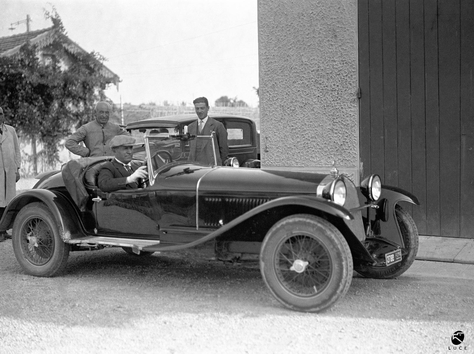 Mussolini 1930 Alfa Romeo 6C 1750 SS black and white