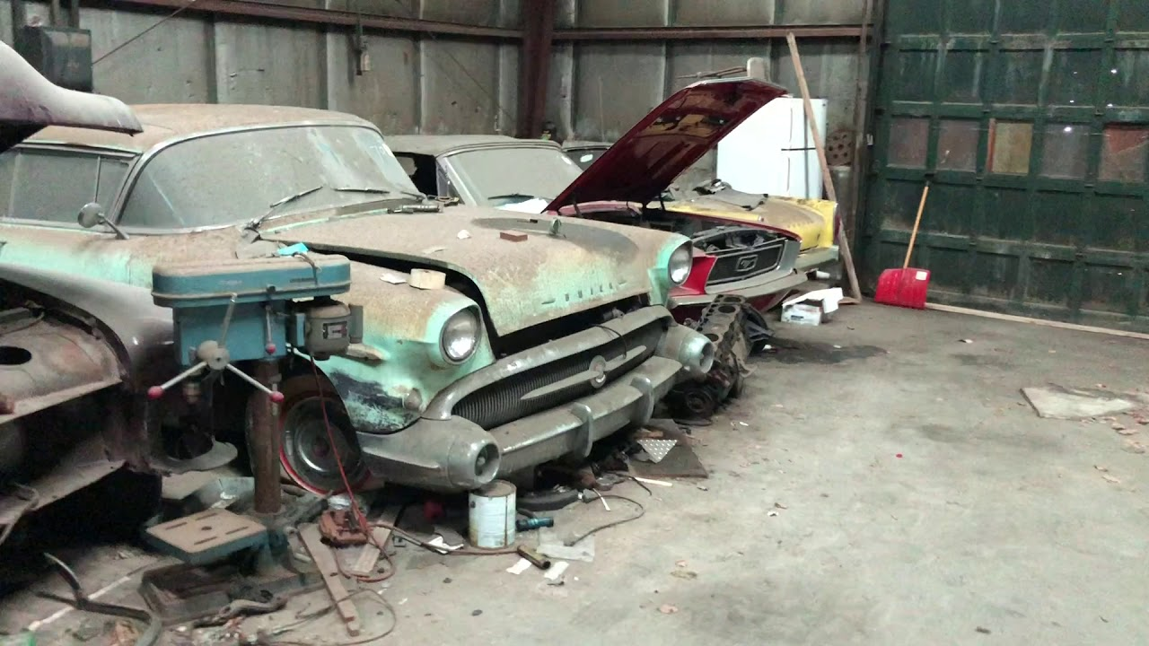 What it's like to discover 100 amazing cars hidden in Chicago thumbnail