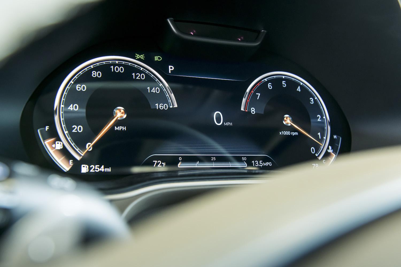Genesis gv80 suv front dash gauges