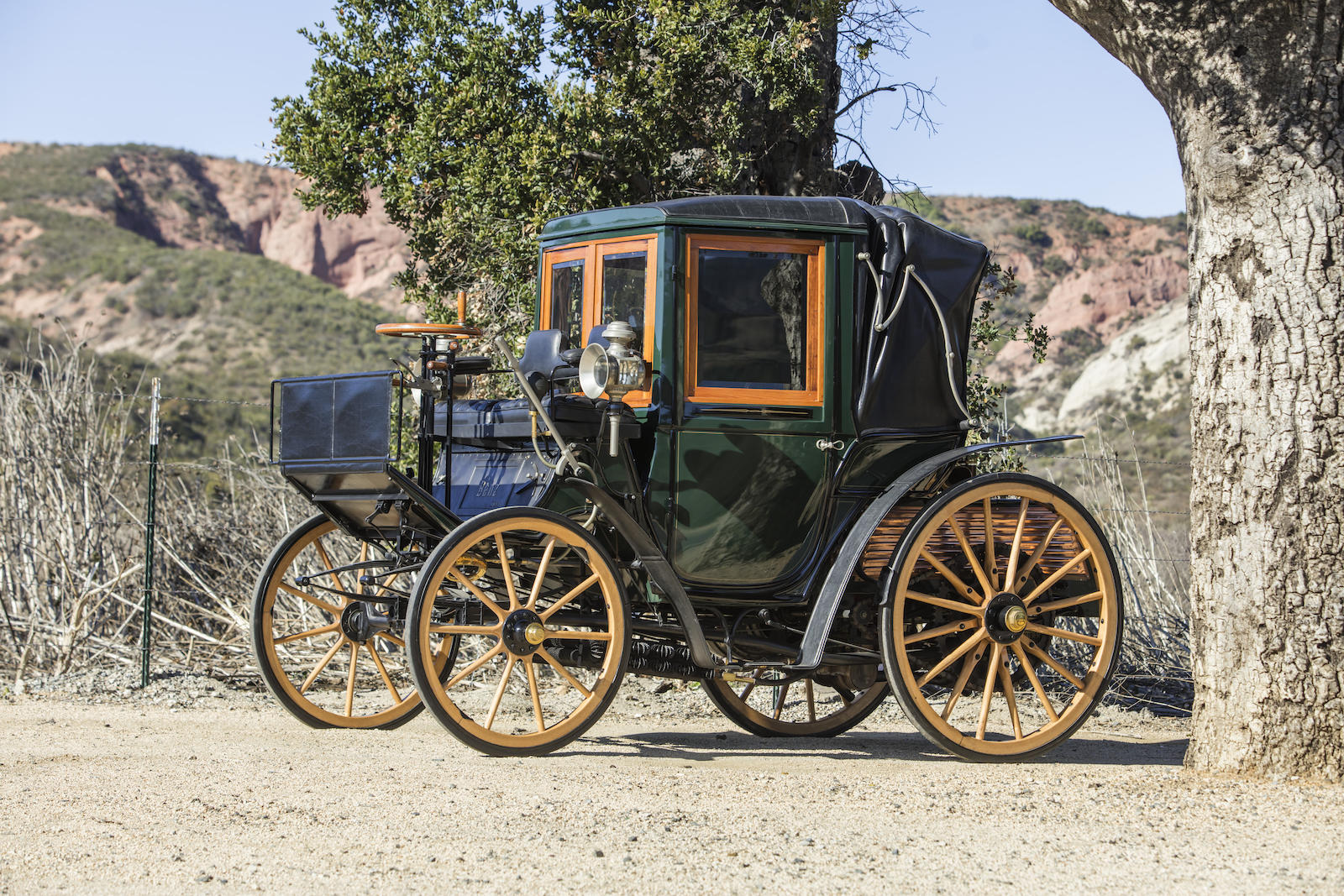 1897 Benz 10hp Mylord-Coupe front three-quarter