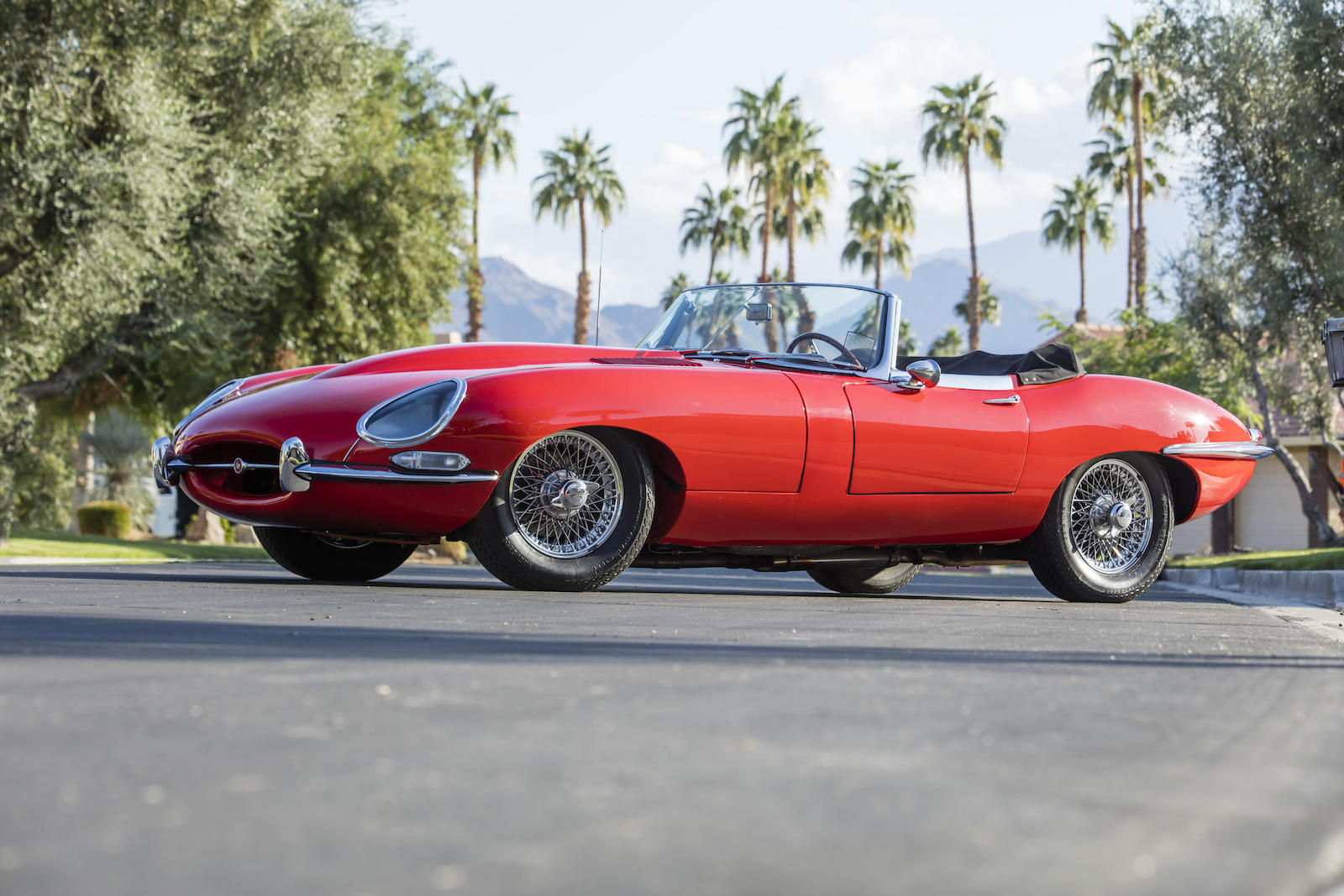 1963 Jaguar E-Type Series 1 3.8-Liter Roadster