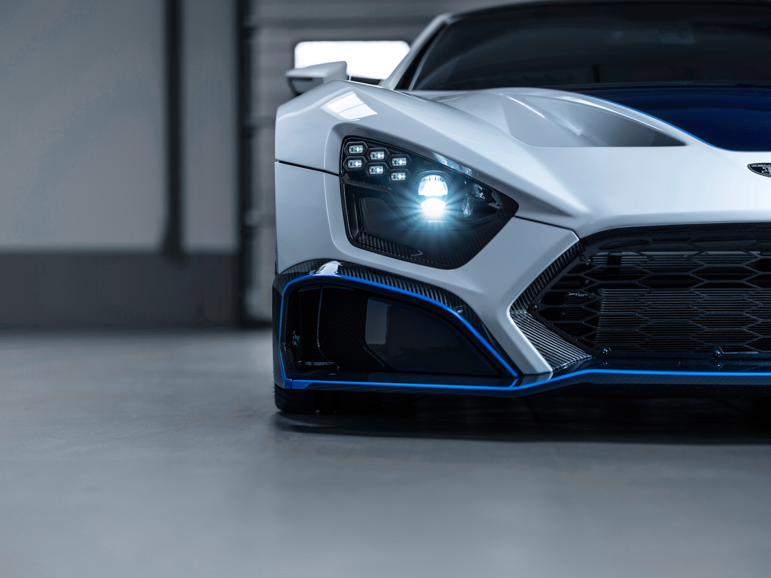 Zenvo tsr-s supercar front half headlight