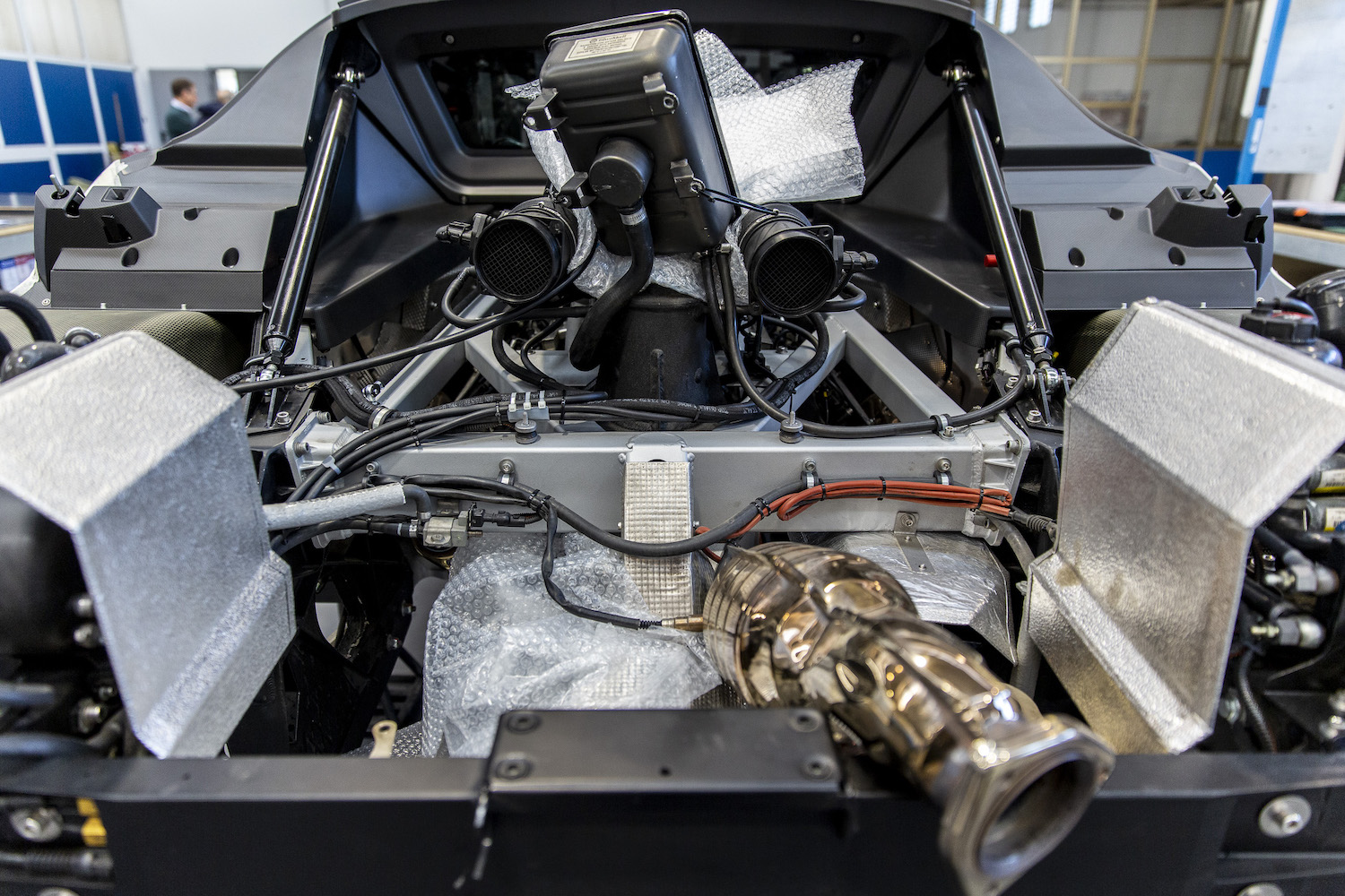 stratos car engine