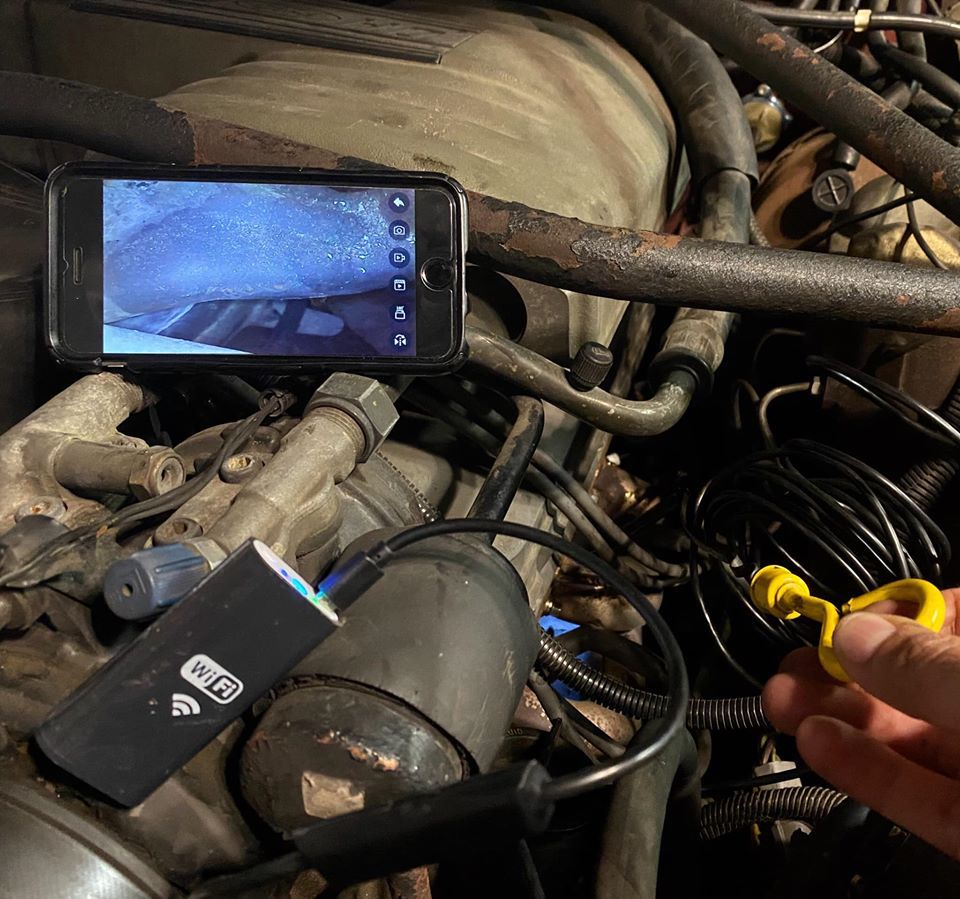 iphone app displays endoscope view inside of engine